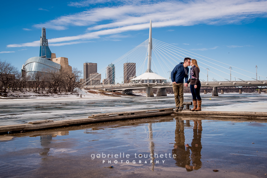 Jessy + Peter – Engagement Photography in Winnipeg