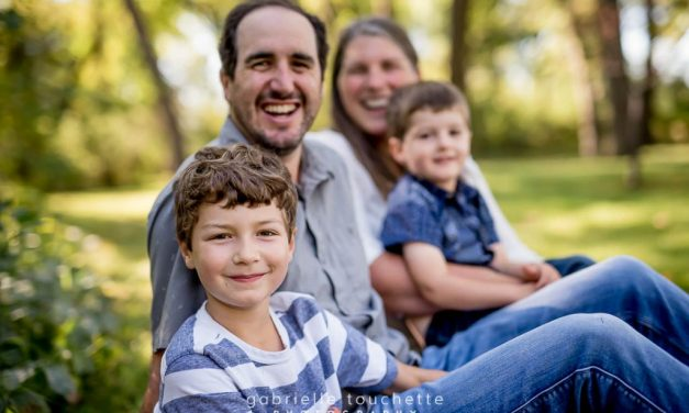 Winnipeg Family Photography at St. Vital Park