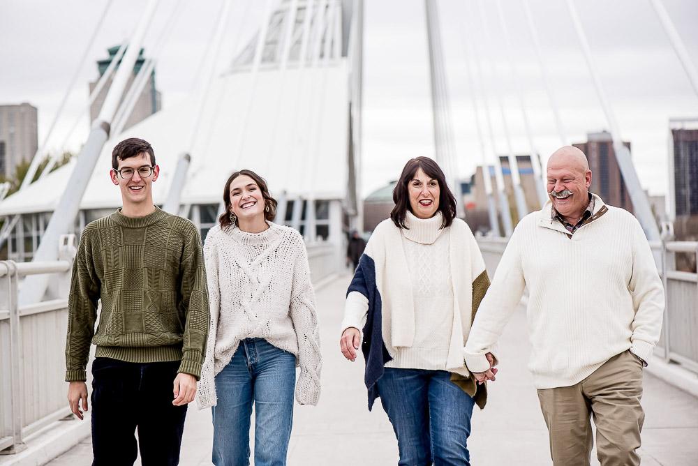 Family-Photographer-Winnipeg-044